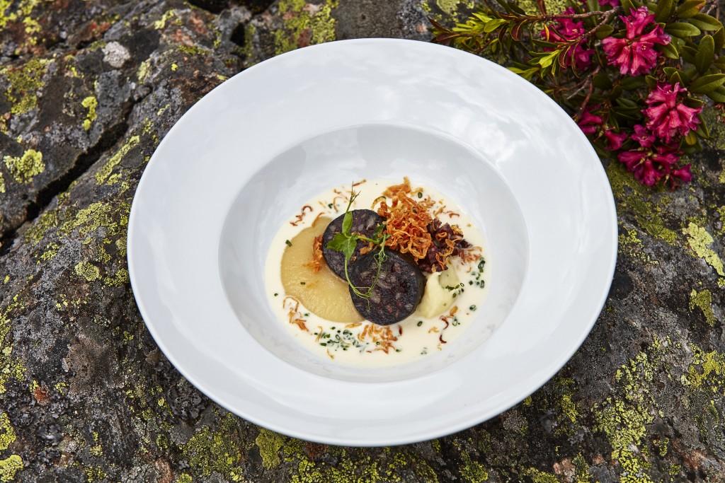 Die Hüttenspeisen der ausgezeichneten Gourmets stehen ab sofort bis Ende September auf den jeweiligen Speisekarten. TVB Paznaun - Ischgl (Abdruck honorarfrei)