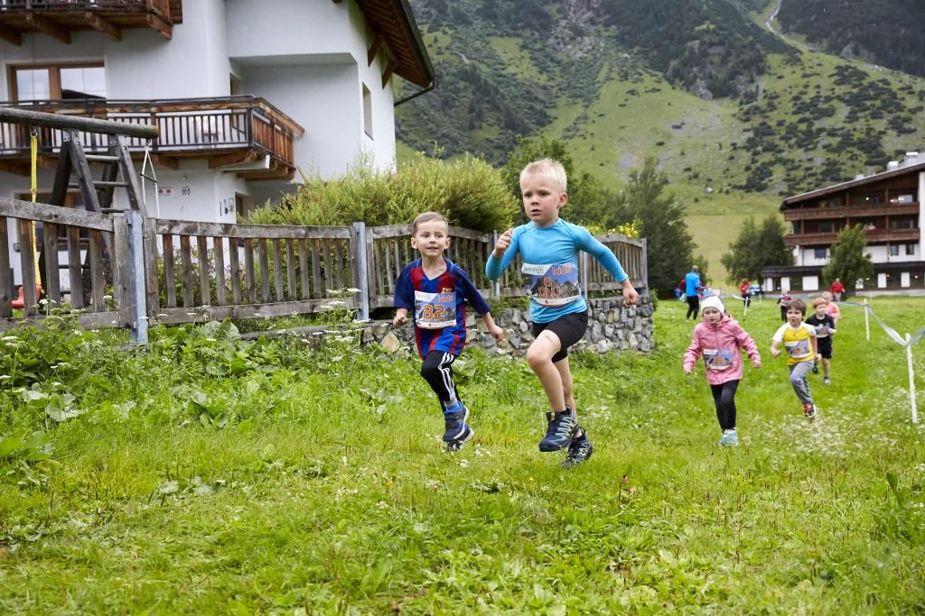 Gestartet wurde beim 3. Silvretta Kids Run auf drei unterschiedlich langen Strecken. Hinweise: TVB Paznaun - Ischgl (Abdruck honorarfrei)