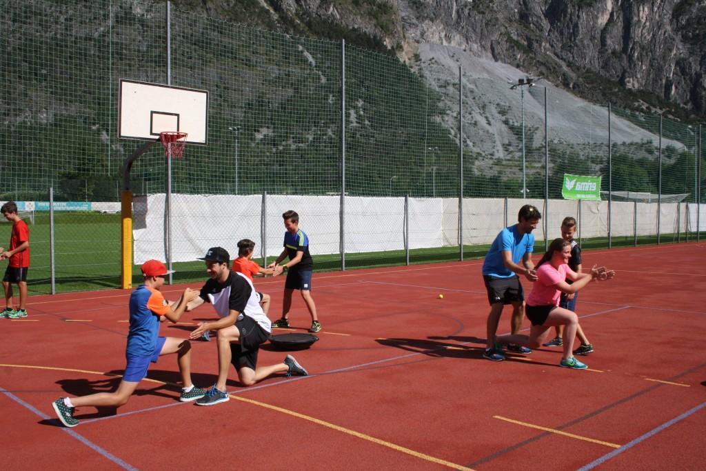 Bei den diversen Trainingseinheiten wird viel Wert auf Beweglichkeit, Stabilität, Koordination, Geschicklichkeit und Bewegungskontrollen gelegt.