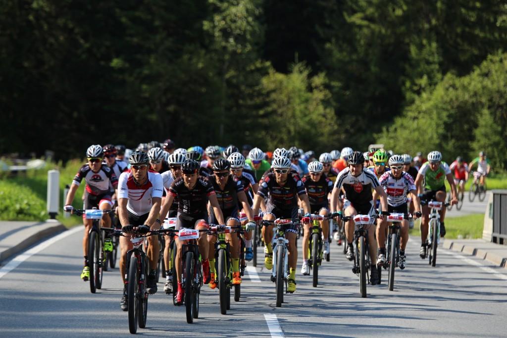 Der Arlberger Bike Marathon ist zugleich der letzte Bewerb des Bergtriathlons ARLBERG Adler. Bildnachweis: TVB St. Anton am Arlberg (Abdruck honorarfrei)