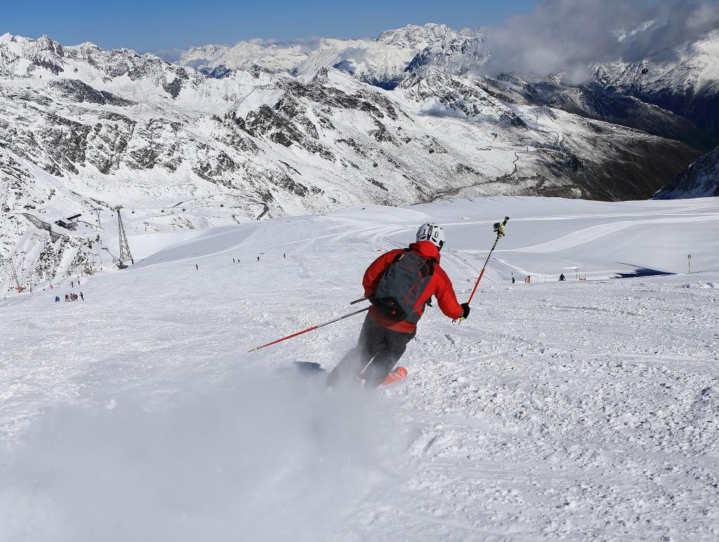 Seit 9. September läuft der Skibetrieb am Rettenbachgletscher in Sölden.  Bildnachweis: Ötztal Tourismus / Ernst Lorenzi (Abdruck honorarfrei)