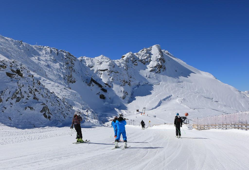Ideale Bedingungen für Wintersportler und Trainingsteams sind am Rettenbachgletscher garantiert.  Bildnachweis: Ötztal Tourismus / Ernst Lorenzi (Abdruck honorarfrei)