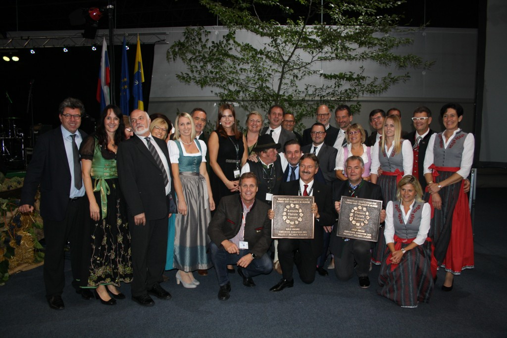 Die Schwazer und St. Antoner Delegation bei der Siegerehrung im slowenischen Podčetrtek. Foto: Elisabeth Zangerl (Abdruck honorarfrei)