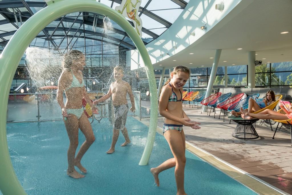 Kleinkinder und Kids sind begeistert vom völlig neu gestalteten Familienbereich.  Bildnachweis: AQUA DOME / Lohmann  (Abdruck honorarfrei)