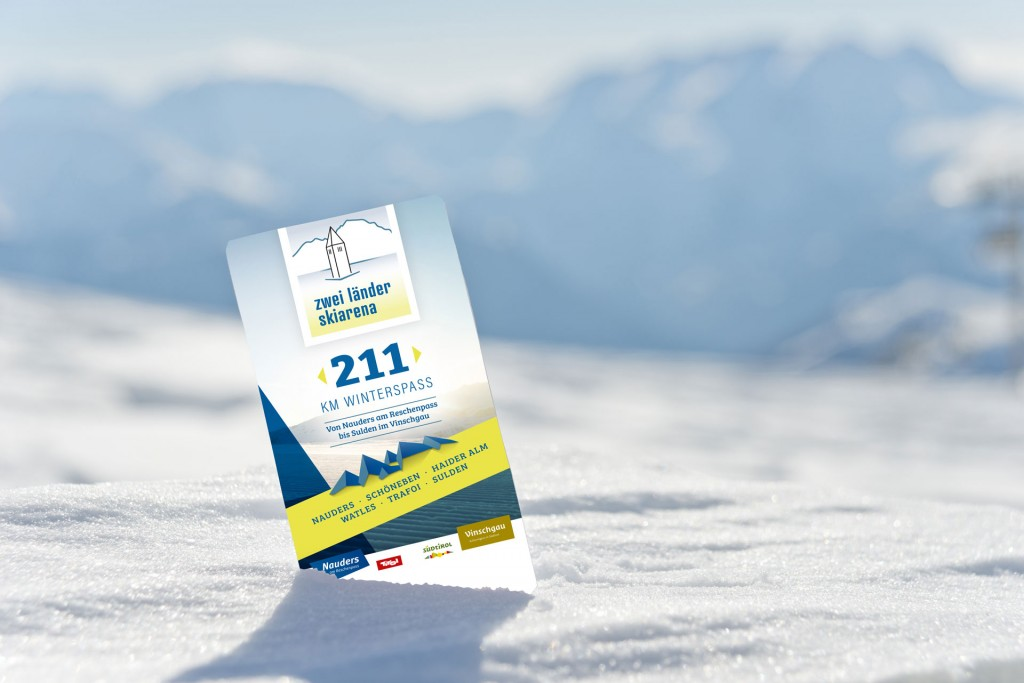 """211 Kilometer Winterspaß umfasst die neue Skigebiets-Allianz rund um den Reschenpass, die """"Zwei Länder Skiarena"""". Bildnachweis: Shutterstock/Montage diewest.at (Abdruck honorarfrei)"""