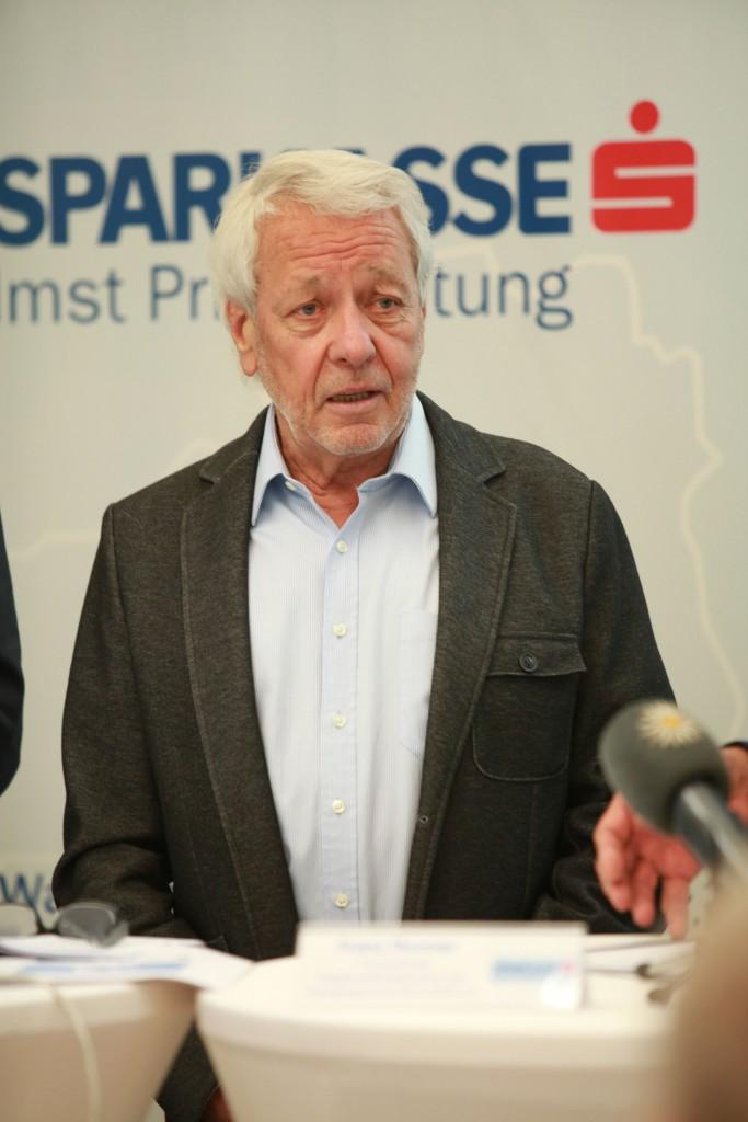 Der Regionalförderbeirat der Sparkasse Imst Privatstiftung, rund um Vorsitzenden Ing. Franz Thurner, entschied über die Vergabe des Förderpreises. Bildnachweis: Sparkasse Imst (Abdruck honorarfrei)