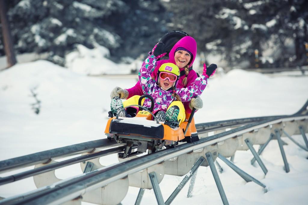 Ein Meilenstein in der Historie von Hoch-Imst – der Bau des Alpine Coasters 2003. Auf der 3,5 Kilometer langen Ganzjahresrodelbahn sausten bisher mehr als 1,8 Millionen Gäste ins Tal. FOTO: Imst Tourismus (Abdruck honorarfrei)