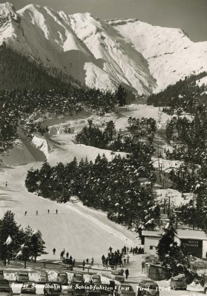 Das Motiv zeigt die Talabfahrt in Hoch-Imst in den 70er-Jahren des vorigen Jahrhunderts. FOTO: Foto Mathis (Abdruck honorarfrei)