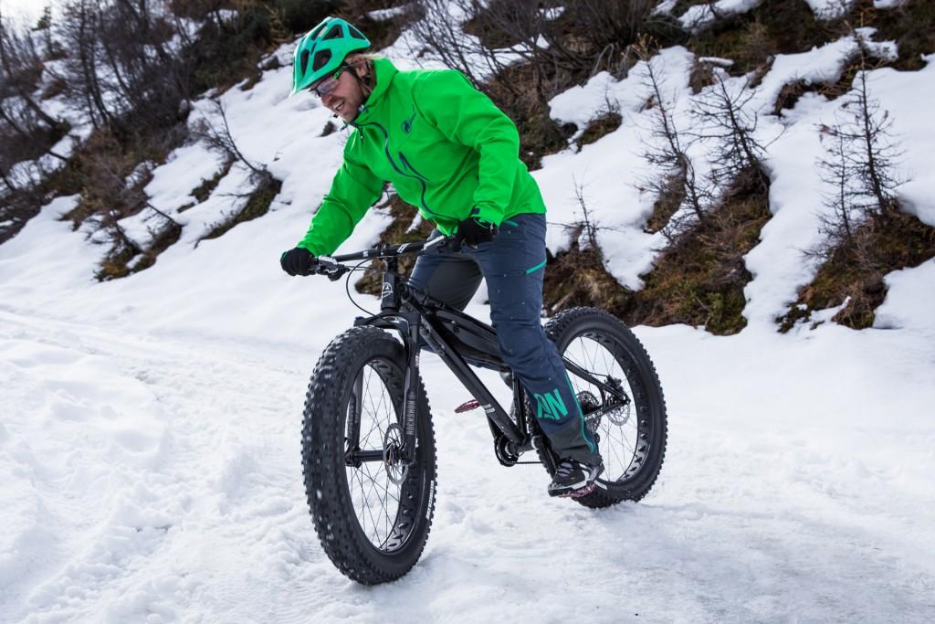 Ab sofort wird die Rodelbahn in Kappl jeden Montagmorgen zur actionreichen Fatbike Downhill-Strecke. Copyright: Silvretta Bikeacademy