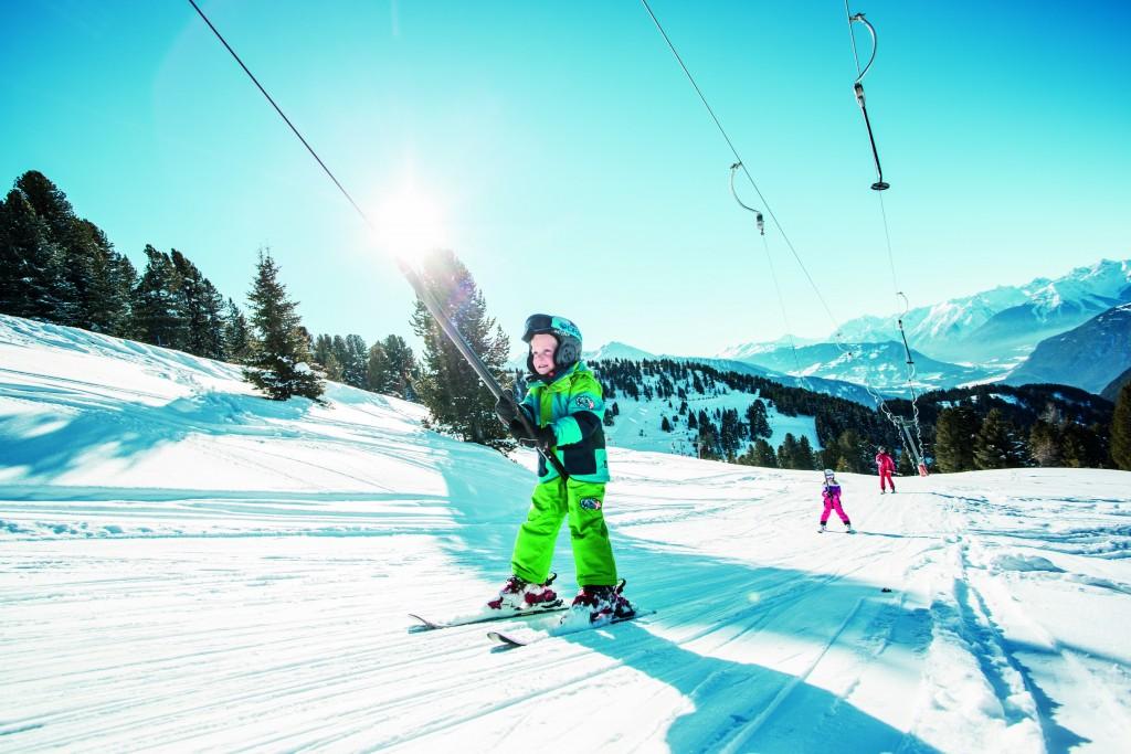 Der neue Tellerlift im Skigebiet Hochoetz ist ideal für die kleinen Pistenflitzer. Bildnachweis: Bergbahnen Oetz (Abdruck honorarfrei)