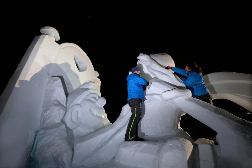 """Zum 25. Jubiläum von """"Formen in Weiß"""" ließen die Künstler aus GER, SUI und ITA die Themen der vergangenen 24 Jahre wieder aufleben Copyright: TVB Paznaun -Ischgl"""