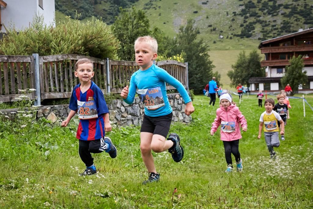 Kleine Läufer ganz groß beim Silvretta Kids Run 2018. Copyright: TVB Paznaun - Ischgl