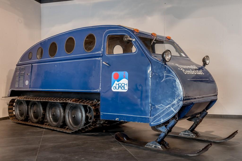 """Ein Highlight der Ausstellung: Das """"Snowmobile"""" von Bombardier aus dem Jahr 1947.  Bildnachweis: Top Mountain Motorcycle Museum / Lohmann"""
