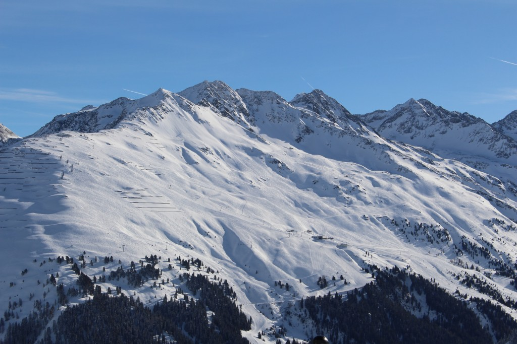 St. Anton am Arlberg ist von 25. Februar bis 2. März 2018 Austragungsort des Weltkriteriums der Städteskiläufer, einem Bewerb der gerne von Nachwuchsfahrern aus dem städtischen Bereich genutzt wird, um erste FIS-Punkte zu sammeln. Bildnachweis: TVB St. Anton am Arlberg